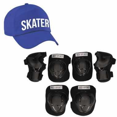 Set van valbescherming voor kinderen maat l / 9 tot 10 jaar met een stoere skater pet blauw